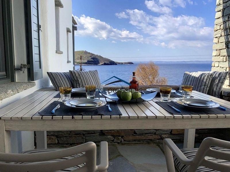 'Aqua Blue', a maisonette only 100 meters from the beach of Gialiskari, alquiler vacacional en Melissaki