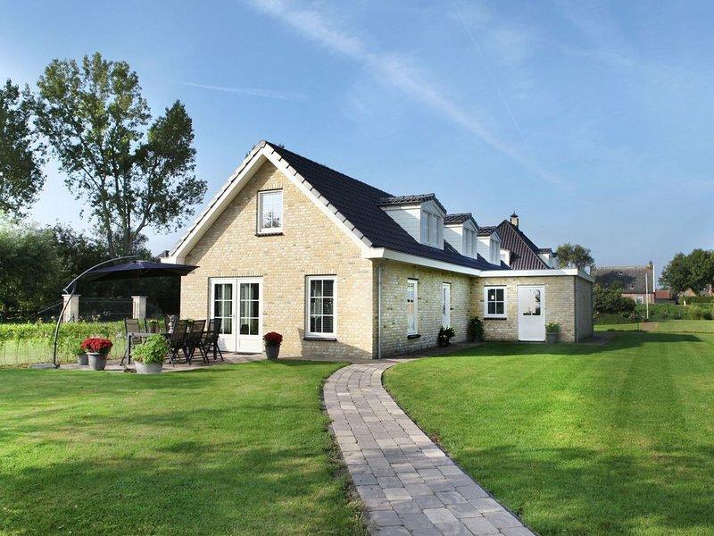 Premier Villa in Schoorl with  Garden, aluguéis de temporada em Warmenhuizen