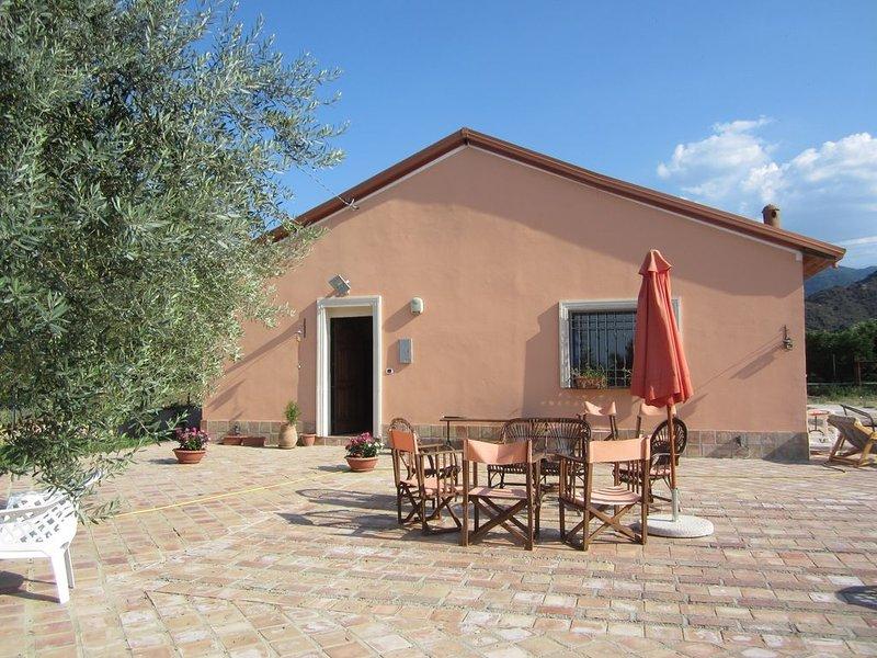 Elegante casa di campagna, holiday rental in Fabrizio