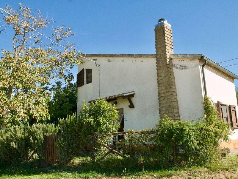 Un posto speciale a due km da Sovana, uno dei borghi più belli d'Italia, location de vacances à Elmo