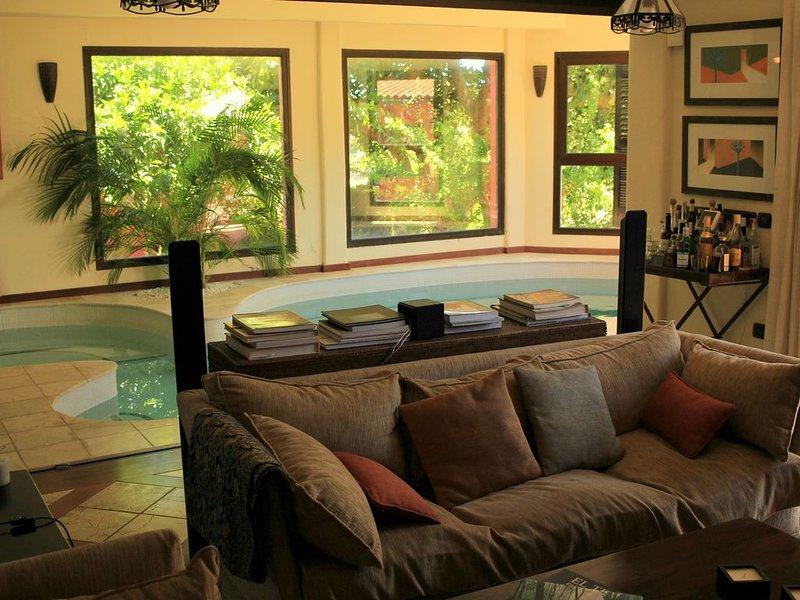Luxury house in the heart of Tenerife, casa vacanza a Guamasa