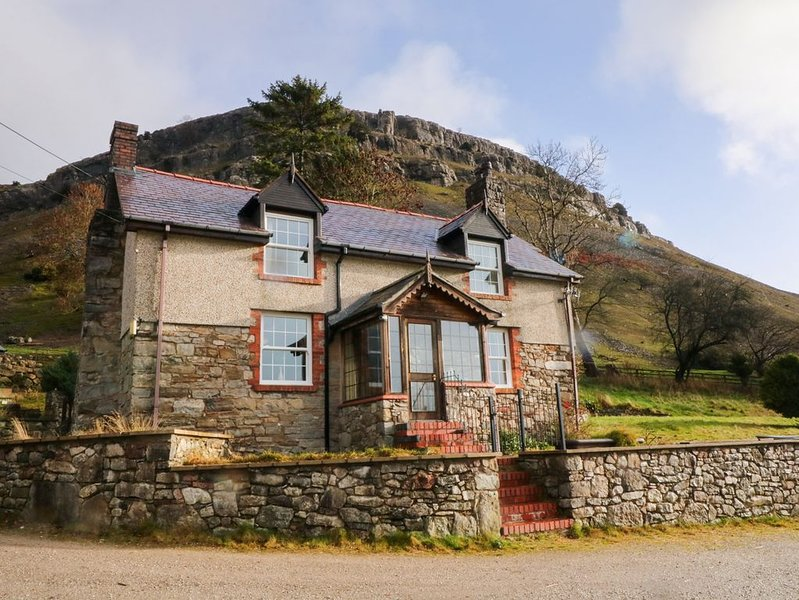 The Panorama Farmhouse, LLANGOLLEN, Ferienwohnung in Ruabon
