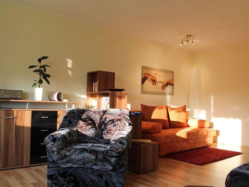 Sunlit Apartment with Garden in Satow, casa vacanza a Goldberg