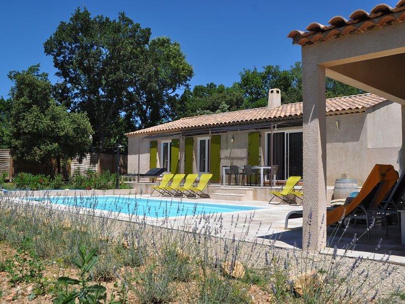 Villa met zwembad vlakbij Gorges du Verdon en Lac de Sainte Croix / gratis WIFI, location de vacances à Montmeyan