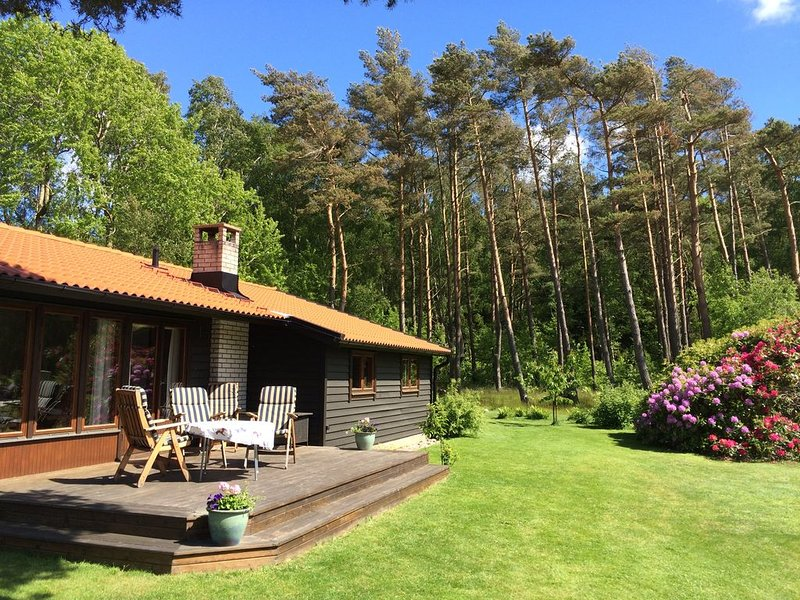 Peaceful vacation home at the nature reserve, minutes from the beach – semesterbostad i Hallands län