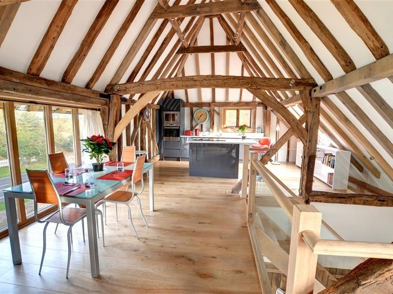 Saddlehurst Barn - Two Bedroom House, Sleeps 4, location de vacances à Headcorn