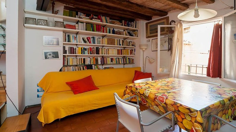 ELEGANTE APPARTAMENTO OPEN SPACE IN CENTRO STORICO BOLOGNA, holiday rental in Rastignano