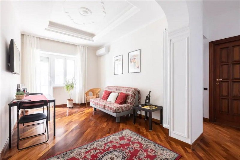 Anton Inn - Bright and cozy apartment 20 minutes from St. Peter's, vacation rental in Vatican City
