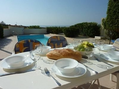 3 Bed Villa In  Stunning Peaceful Location With Private Pool And Sea Views, aluguéis de temporada em Coral Bay