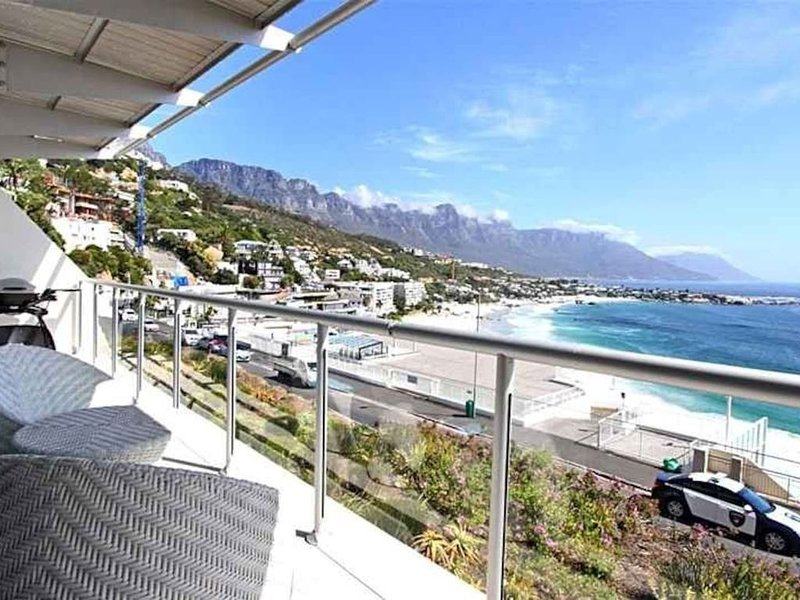 Dunmore Blue - Two Bedroom Apartment, Sleeps 4, vacation rental in Bantry Bay