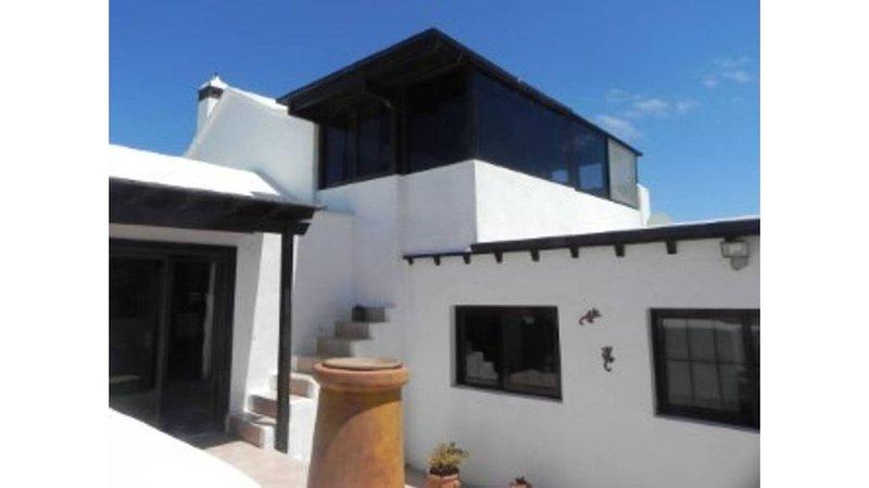 Encantadora casa en Nazaret, 'El Tucán 8', holiday rental in Tahiche