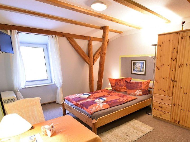 Gorgeous Apartment in Grundshagen with parking, holiday rental in Hohen Schonberg