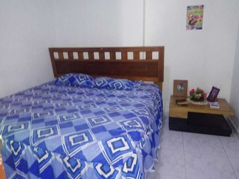 Habitación tranquila y acogedora en casa de familia, casa vacanza a Turbaco