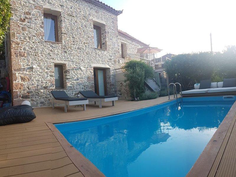 Villa Thermi - Serendipity Lesvos, holiday rental in Piryoi Thermis