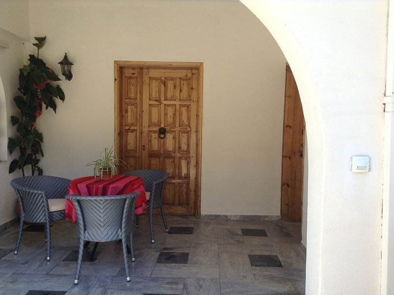 Koumans Residence-  South Of Crete-TRIOPETRA, holiday rental in Meronas