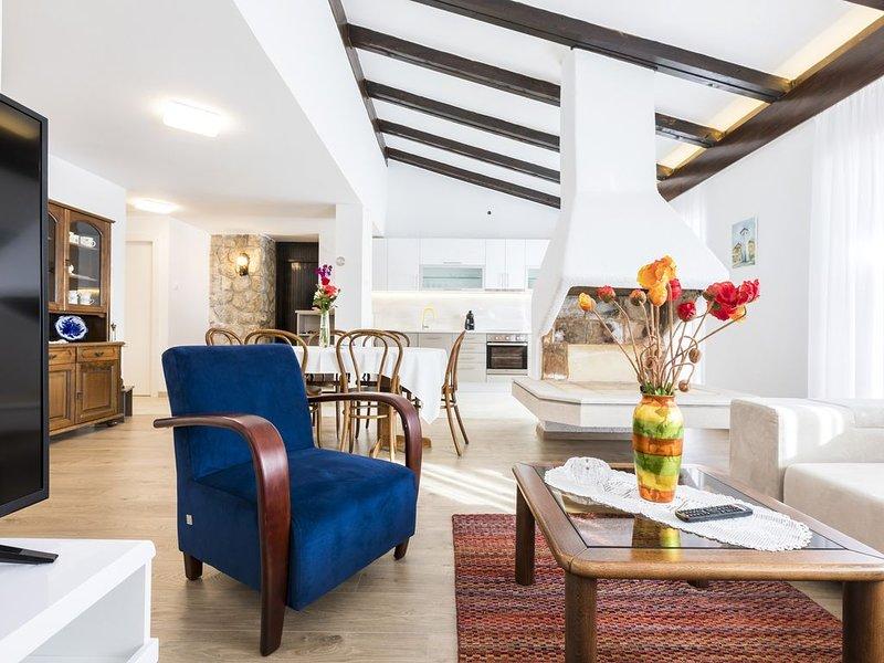 Captain's Home - Artatore, holiday rental in Cunski