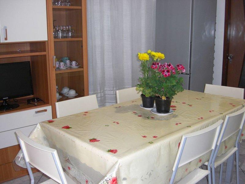Casetta Laura indipendente luminosa aria condizionata, holiday rental in Teulada