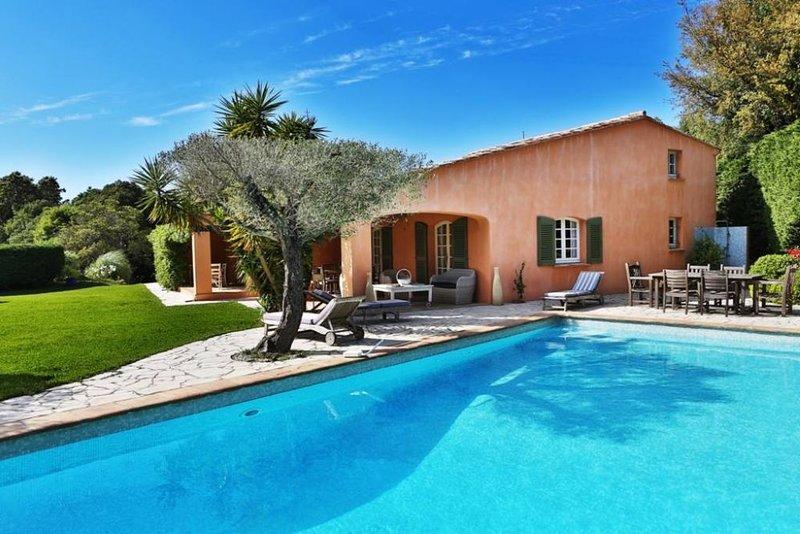 Au cœur de la presqu'île de St. Tropez, location de vacances à Gassin