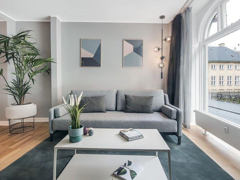 Rosenborg Hotel Apartments | 3 Bed Rooms | Prime Location | Scandinavian Design, holiday rental in Copenhagen