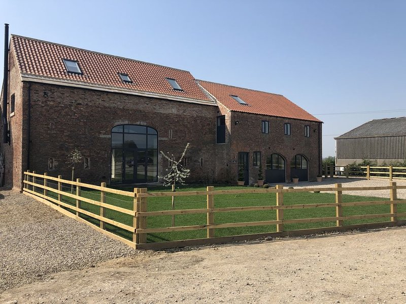 Stunning Contemporary Barn Conversion in the heart of Yorkshire, location de vacances à Ryther