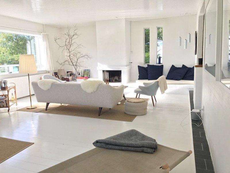 Midcentury Skagen Beach Villa, holiday rental in Hulsig