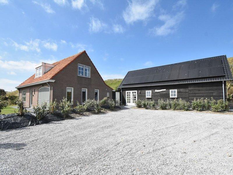 Lavish Villa in Julianadorp aan zee with Sauna, aluguéis de temporada em Breezand