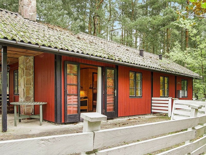 Vibrant Holiday Home in Bornholm near Sea, vacation rental in Roenne