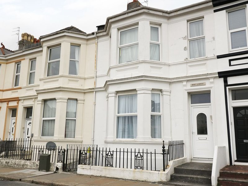 Garden Apartment, PLYMOUTH, holiday rental in Millbrook