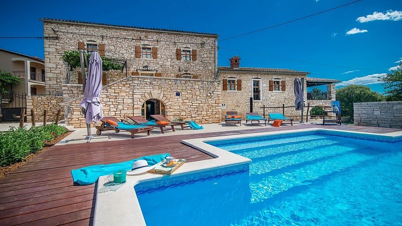 Enchanting Stone Villa in the Istrian Countryside, A/C, Private Pool, Ideal for, holiday rental in Prkacini