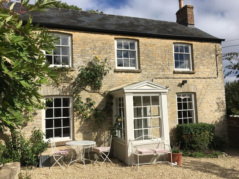 Luxury Cotswold Cottage near Blenheim Palace, Woodstock and Soho Farmhouse, aluguéis de temporada em Tackley