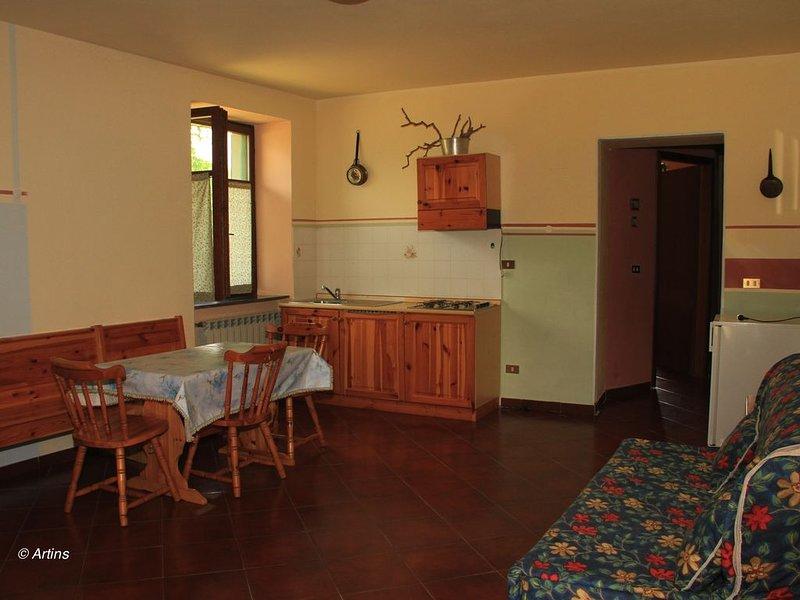 Appartamento 'La Noce' presso Agriturismo La Preduscella, alquiler vacacional en Moncigoli