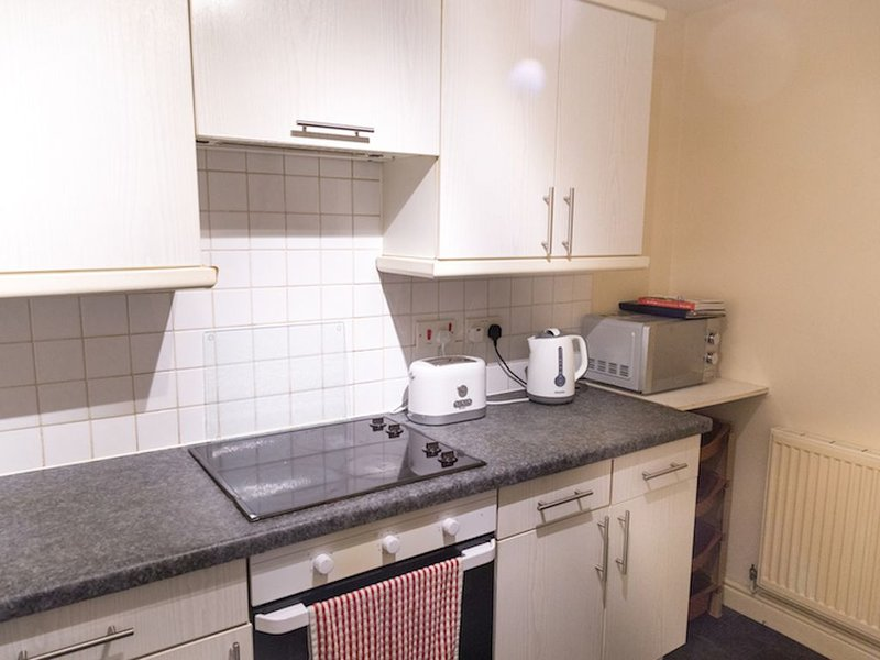 3 bed cosy apartment in excellent South Manchester location, holiday rental in Cheadle