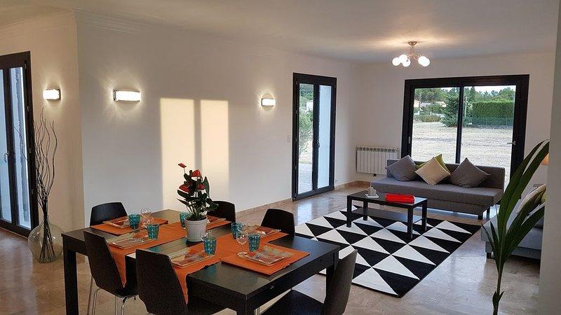 Calme & sérénité à 7mn d'Avignon, holiday rental in Saze