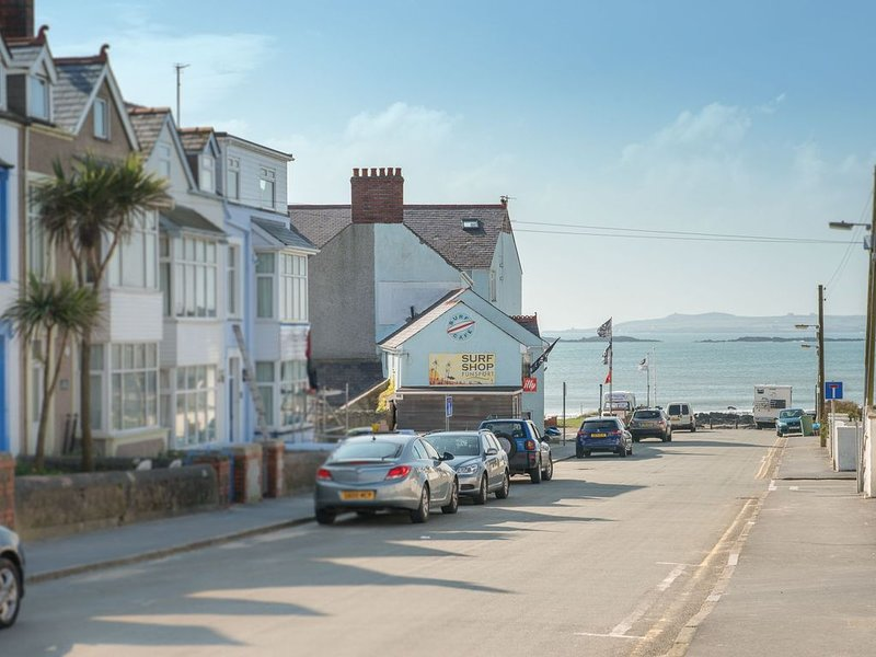 Pencadlys -  a 3 bed house that sleeps 6 guests  in 3 bedrooms, holiday rental in Rhosneigr