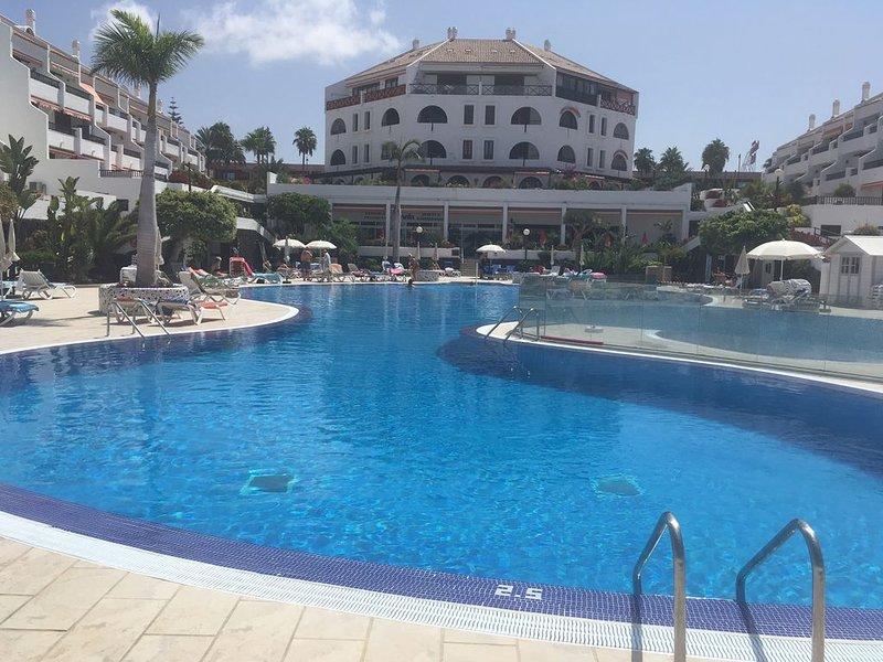 Las Americas Parque Santiago 1, Beautiful Sea Front Studio, Sea View Heated Pool – semesterbostad i Arona