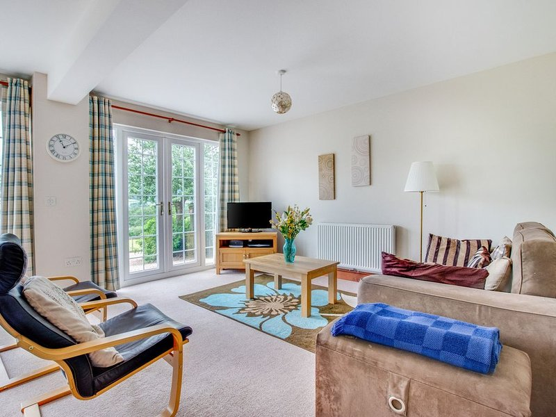 The large windows of this secluded, comfortable and well-equipped cottage allow, holiday rental in Abergavenny