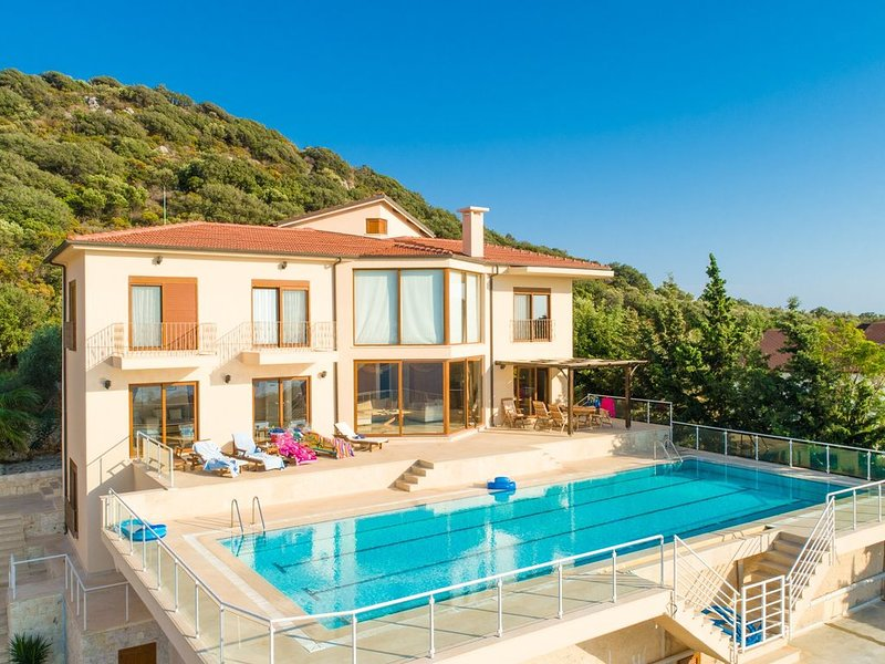 Villa Suzan: Large Private Pool, Sea Views, A/C, WiFi, vacation rental in Kas