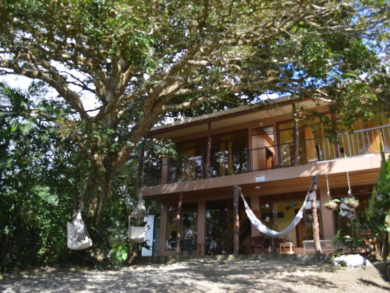 Casa Mariposa Cottage Located a Coffee Farm, aluguéis de temporada em Manzanillo