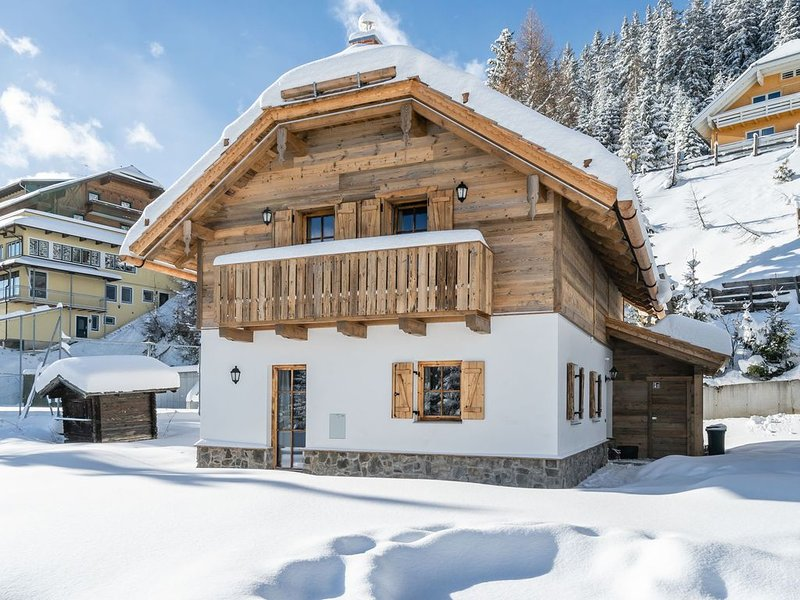 Quaint Chalet near Skiing Area in Katschberghöhe, holiday rental in Katschberghohe