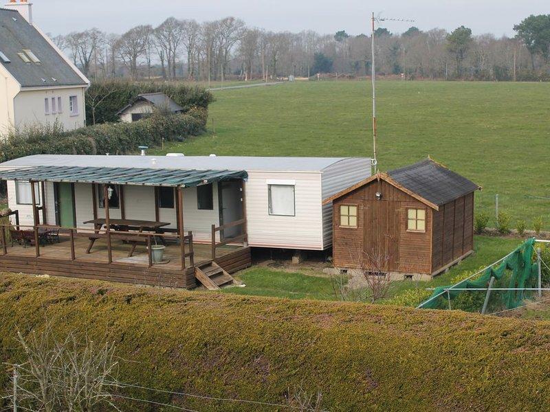 MOBIL HOME INDEPENDANT AVEC JARDIN PRES DE LORIENT, vacation rental in Hennebont