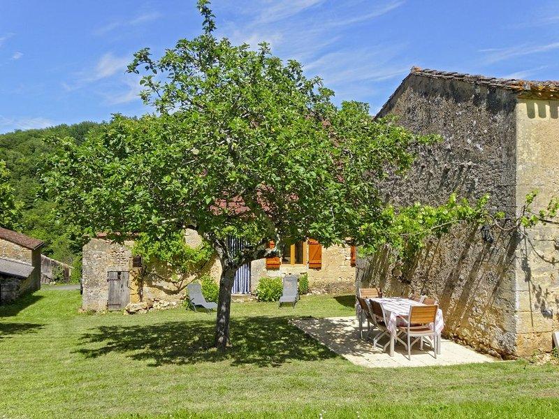 Mooie, gerenoveerde woning in de Dordogne, dichtbij Lalinde, Couze en Beaumont., holiday rental in Monsac