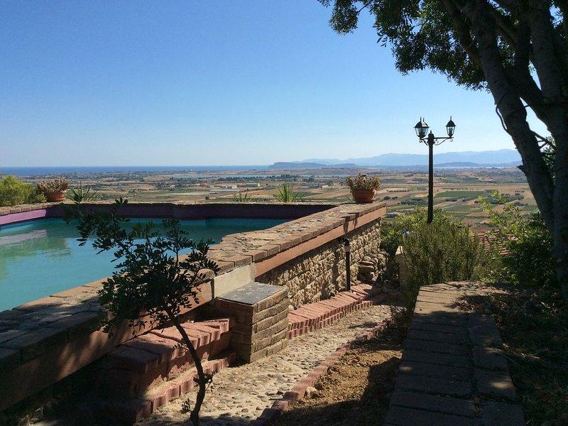 Sardegna Panoramica Villa oasi relax  piscina privata. LAST MINUTE maggio-giugno, holiday rental in Maracalagonis