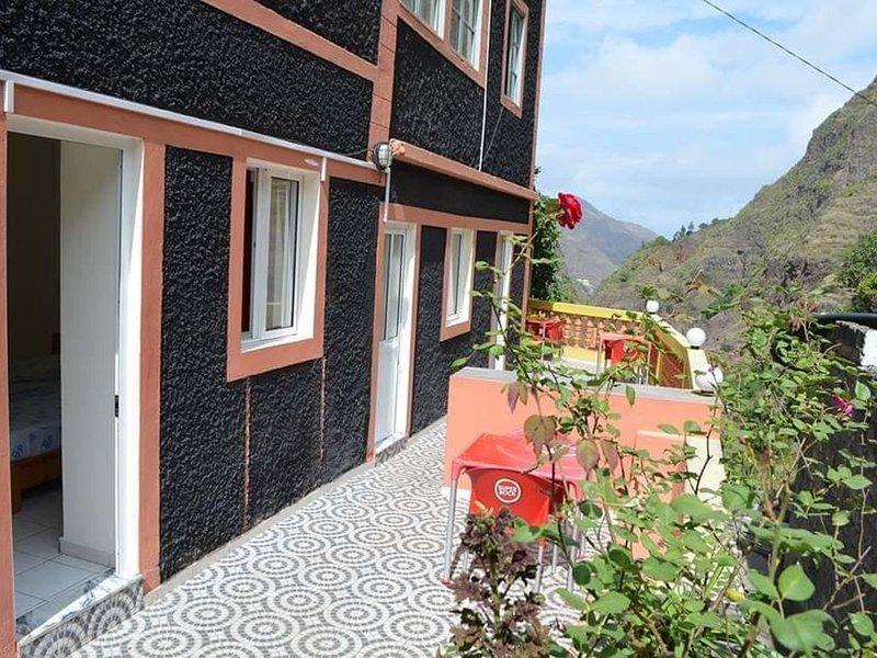 Casa xoxo - Quarto 4, vacation rental in Porto Novo