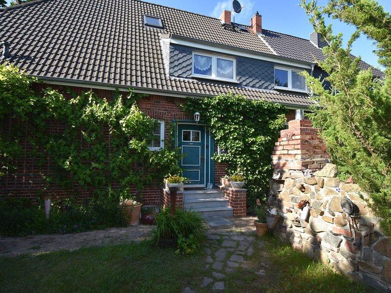 Luxurious Apartment in Ostseebad Boltenhagen with Garden, holiday rental in Tarnewitz