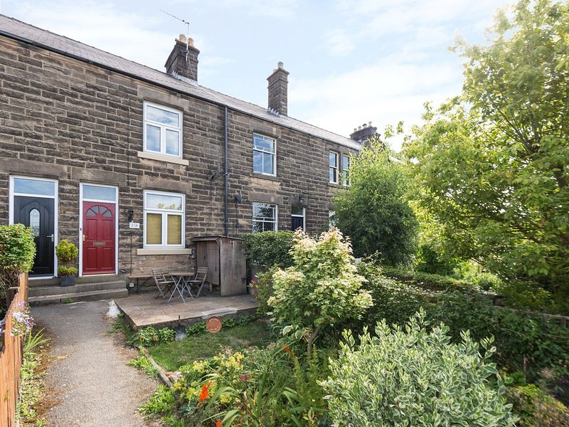 Bobbin Cottage, MATLOCK, holiday rental in Two Dales
