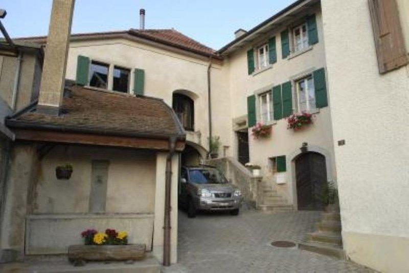 Appartement dans maison vigneronne, alquiler de vacaciones en Lausana