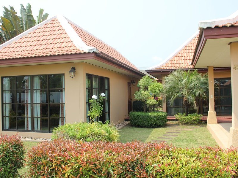 Nice and cozy villa!, casa vacanza a Chak Phong