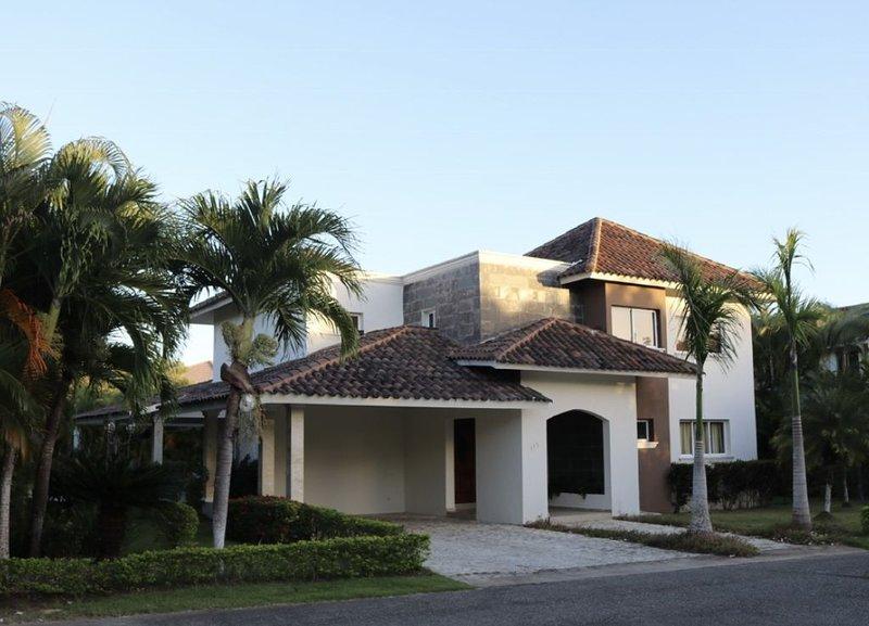 villa en guavaberry golf and country club, location de vacances à San Pedro de Macoris Province