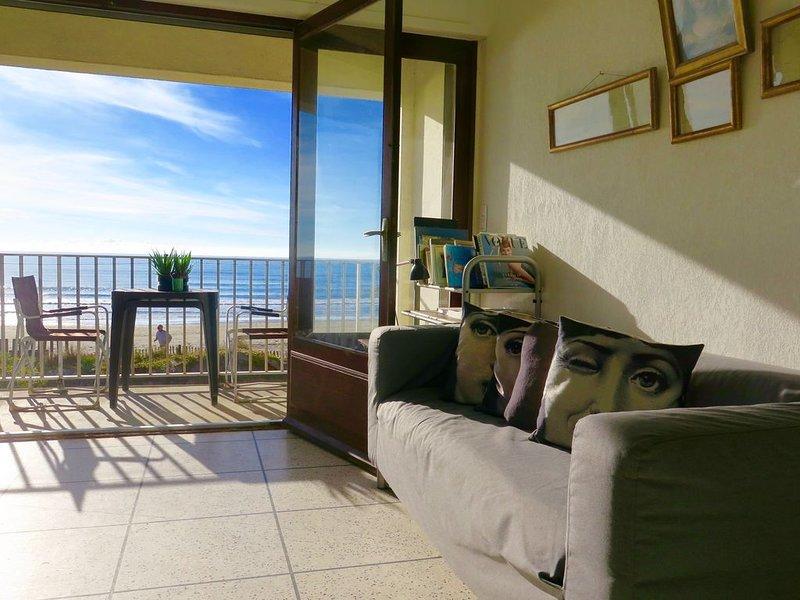 Carnon :  appartement de grand charme , DIRECTEMENT SUR LA PLAGE, holiday rental in Mauguio