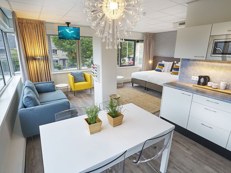 40m2 Studio | Near Amsterdam & Schiphol, vacation rental in Sloten